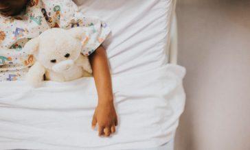 kind klaar voor overgang ledikant naar groot bed